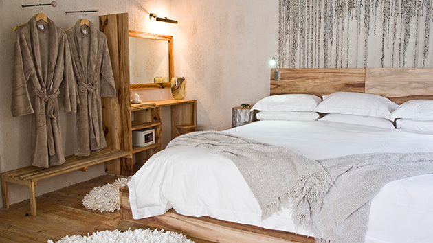 kamberg valley accommodation, southern drakensberg accommodation, luxury lodge, qambathi, private reserve,luxury lodge,wedding venue, honeymoon destination