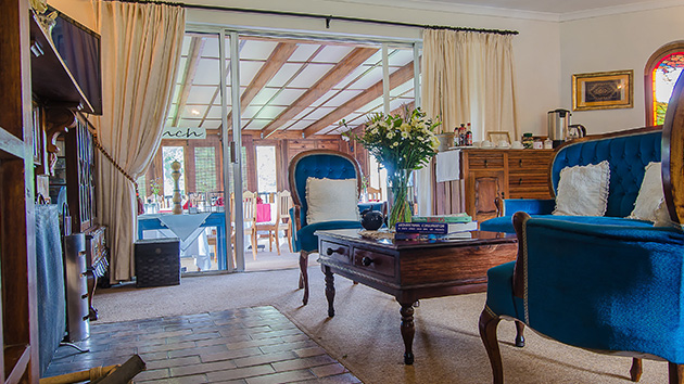 Hawklee Country House,KwaZulu-Natal,Midlands,Meander,B&B,Self Catering, Dinner,Bed and Breakfast,Cottages,Lions River,Luxury,Drakensberg, Mountains,Garden